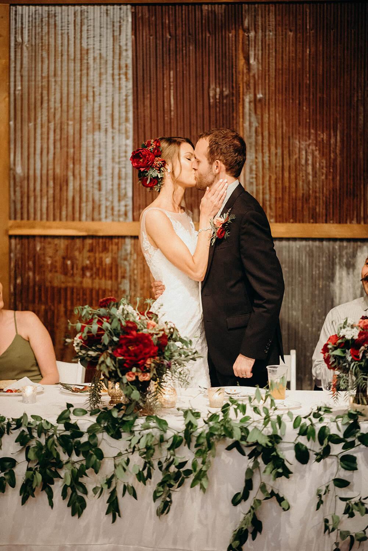 couple kiss barn nebraska