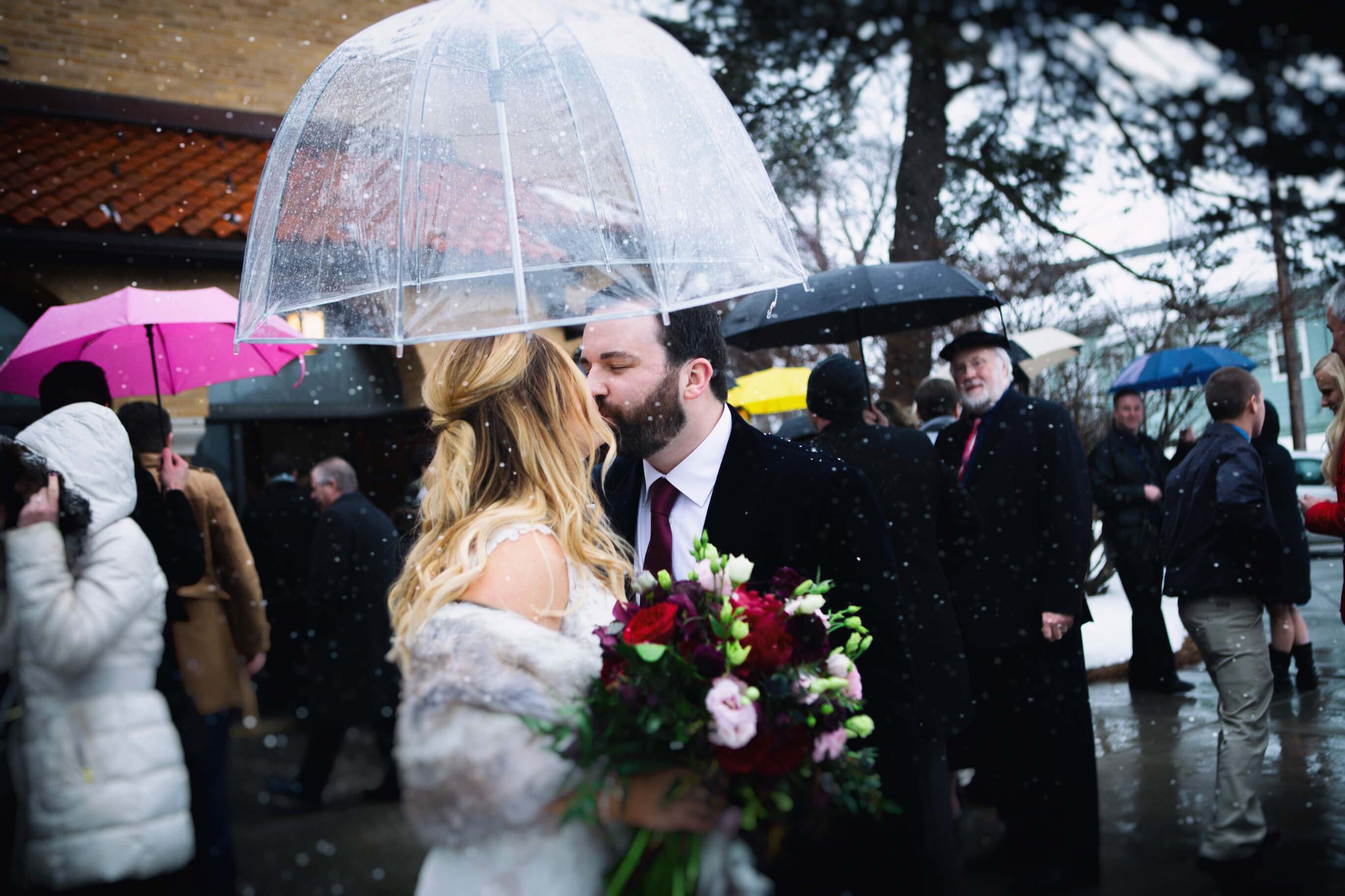 umbrella wedding, snow wedding, blizzard, Omaha, Nebraska