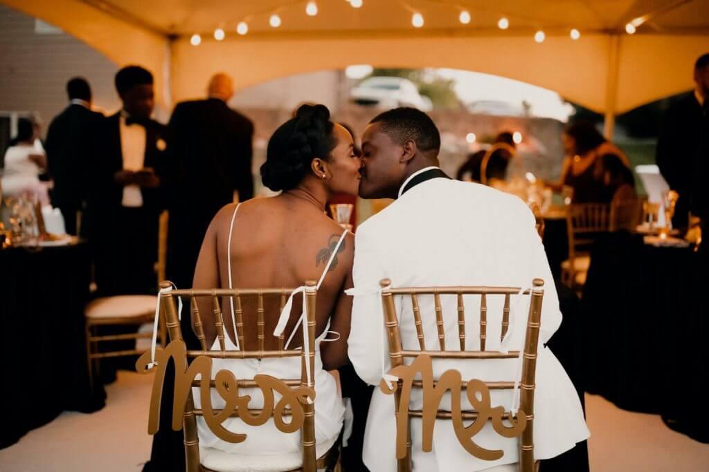 Sweetheart Table, Outdoor Wedding. Wedding invitations by Dana Osborne Design.